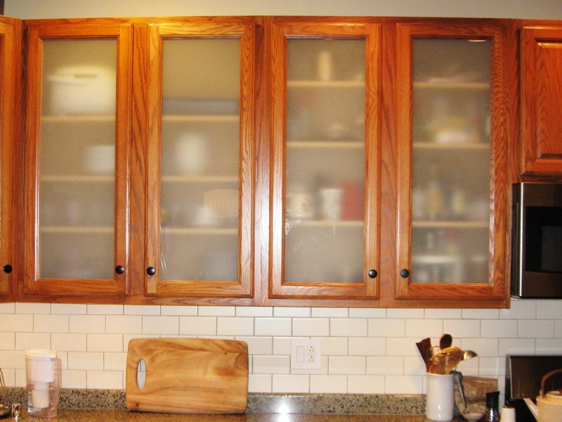 Glass cabinet doors woodsmyths of chicago custom wood for Glass kitchen cabinet doors